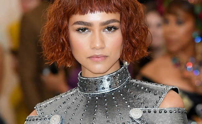 Zendaya Debuts Short Red Bob At 2018 Met Gala Allure