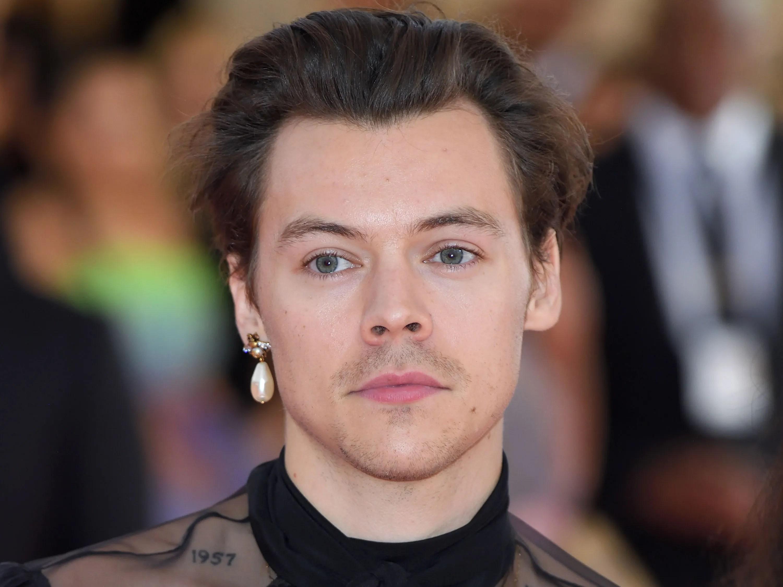 harry styles allegedly pierced