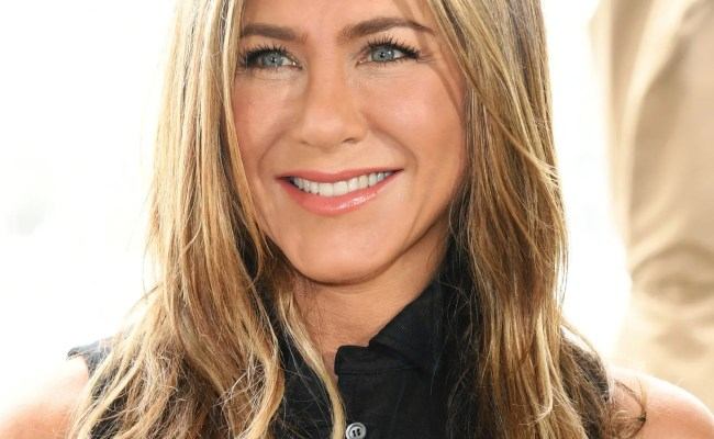 Jennifer Aniston Says She Ll Never Stop Coloring Her Hair