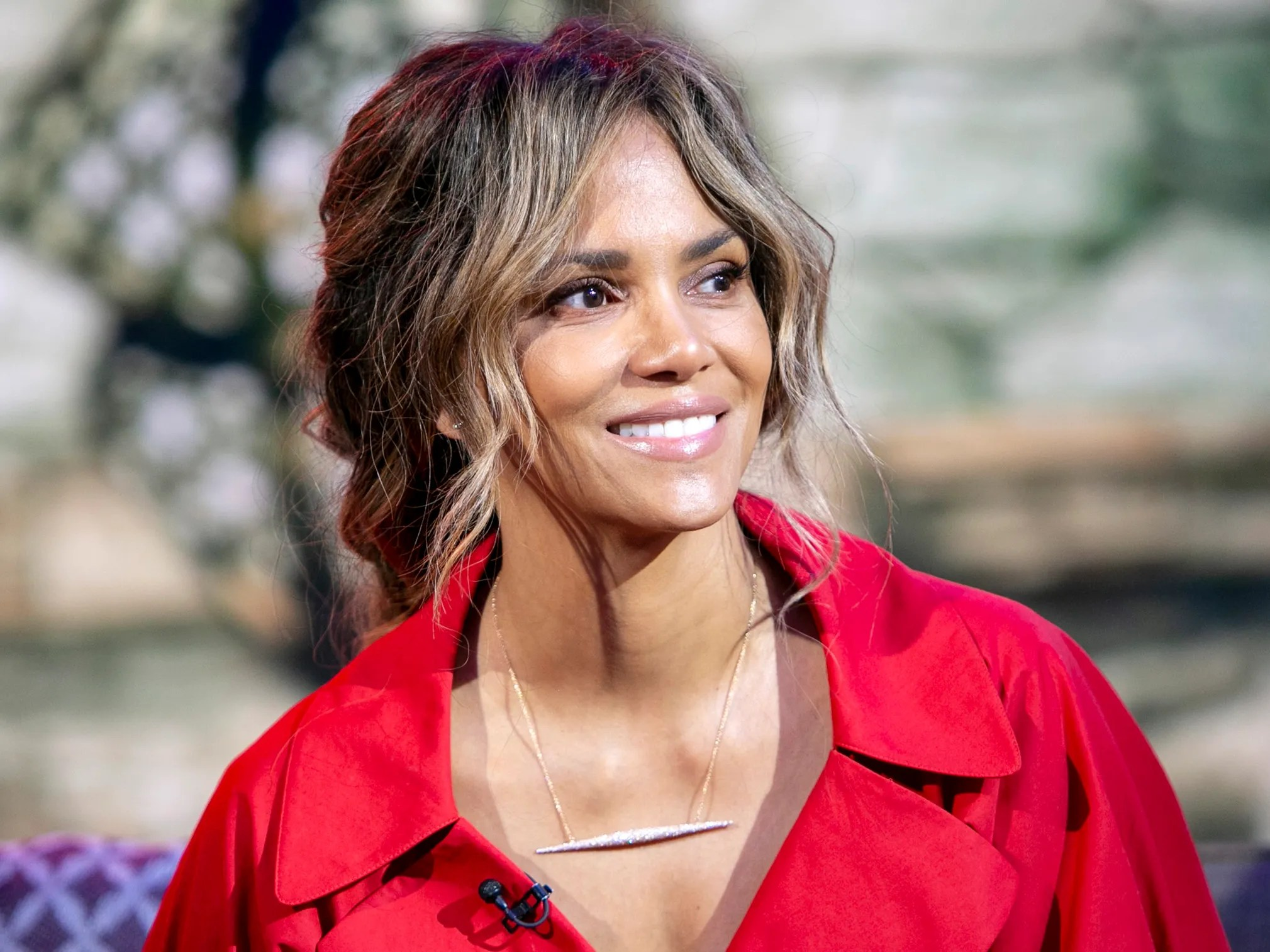 Himalaya Halle Halle Berry Shared Her Favorite Beauty Products For 2020 | Allure