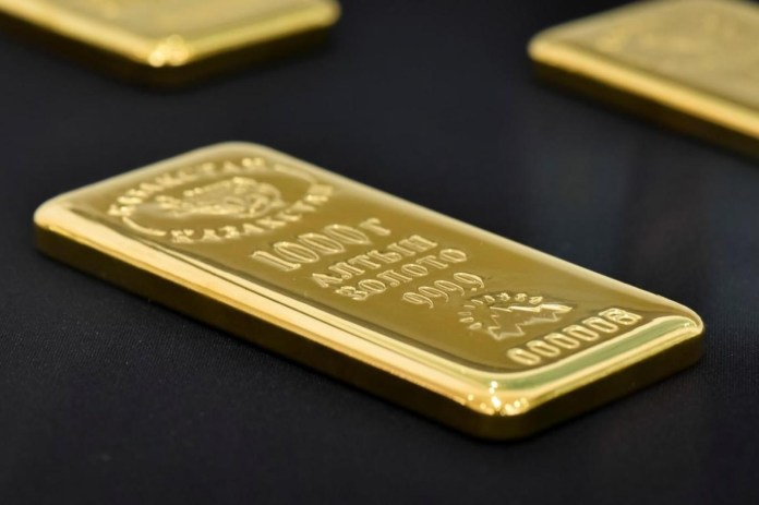 Gold falls due to the increase in the dollar, as the rise in inflation is considered transient