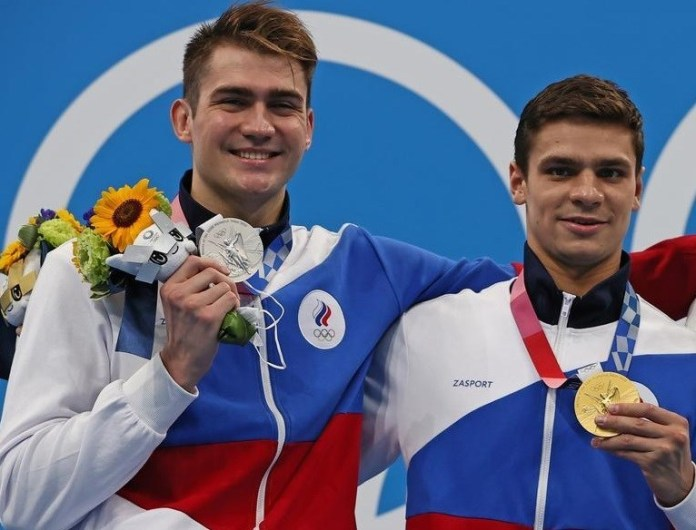 Gold and silver for Russia in the 100m backstroke in swimming