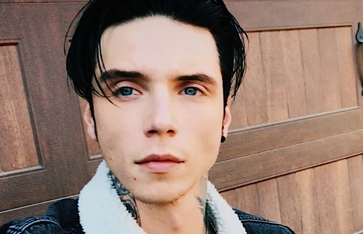 Andy Biersack's upcoming book now has a synopsis ...