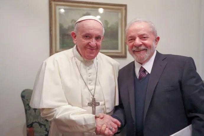 """""""Encuentro con el Papa Francisco para hablar sobre un mundo más justo y fraterno"""" (Lula da Silva, ex mandatario de Brasil, a través de su cuenta de twitter)."""