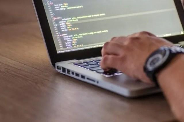 Jubilados y mayores de 50: empresa tecnológica ofrece 170 puestos de trabajo