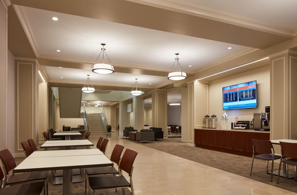 Amtrak Opens New Chicago Lounge For Premium Customers