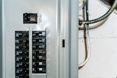 small resolution of wired 200 amp panel fuse box