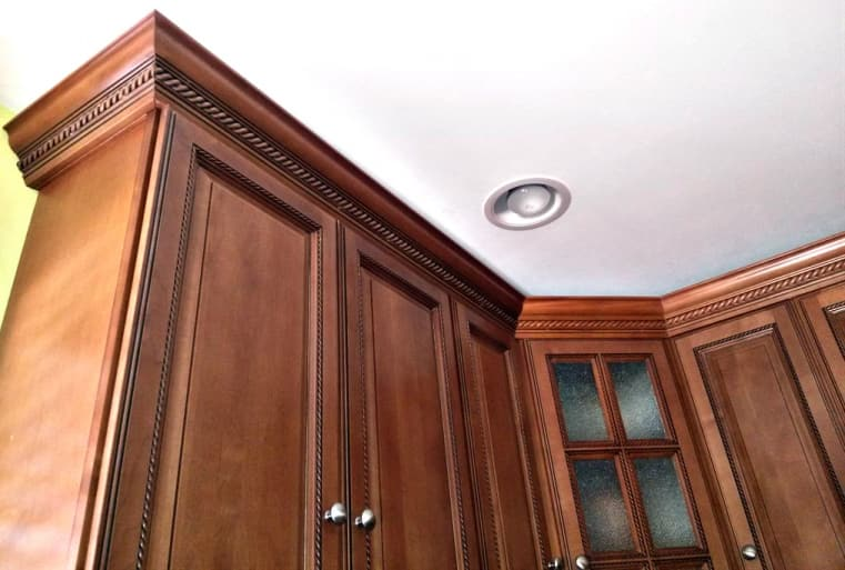 Which Way Does Crown Molding Go On Cabinets