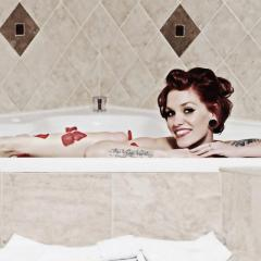 Miss November 2012: Polly Pistol