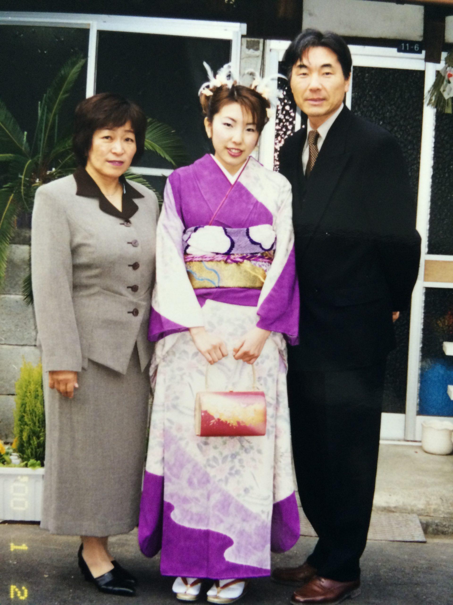 娘の成人式の家族写真