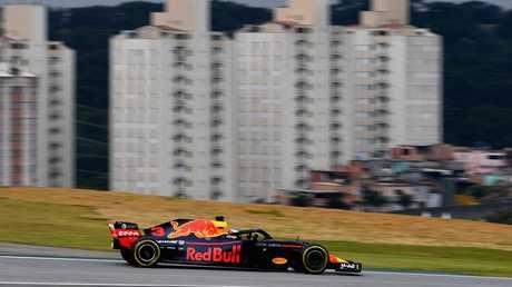 Daniel Ricciardo conduit sa RB14 TAG Heuer de l'Aston Martin Red Bull Racing pendant les essais du Grand Prix du Brésil. Image: Getty Images