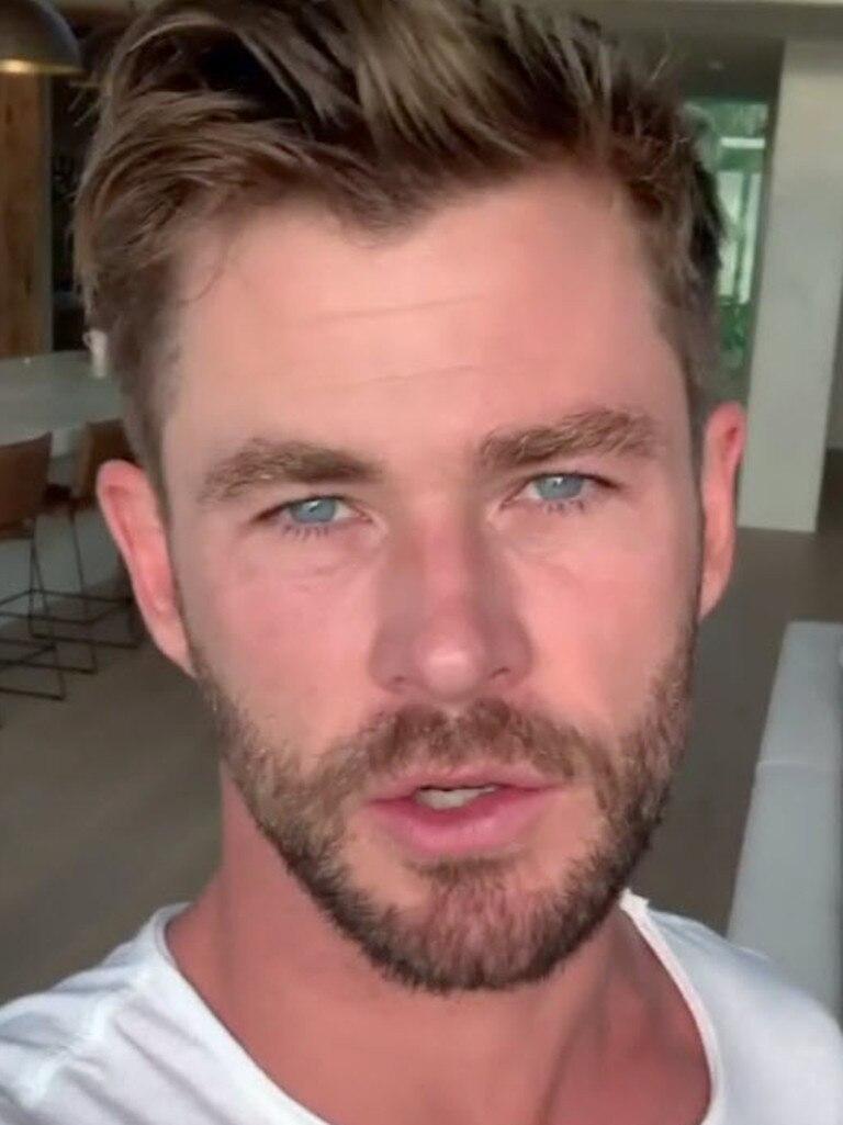 Chris Hemsworth Nose Job : chris, hemsworth, Hemsworth's, Enormous, Bushfire, Donation, Daily, Mercury