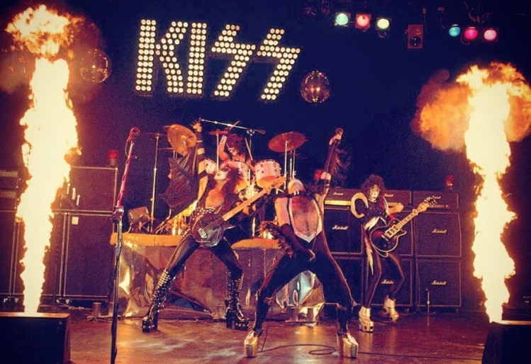 Kiss makes it big time with Alive!