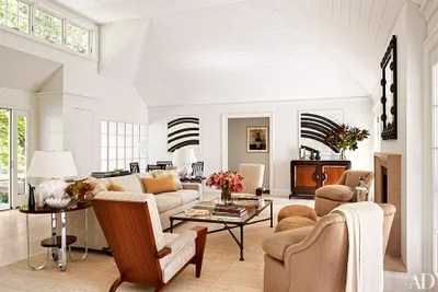 living room art decor cushions for how to add deco style any architectural digest in the of designer david kleinbergs hamptons home twin french zebrawood side