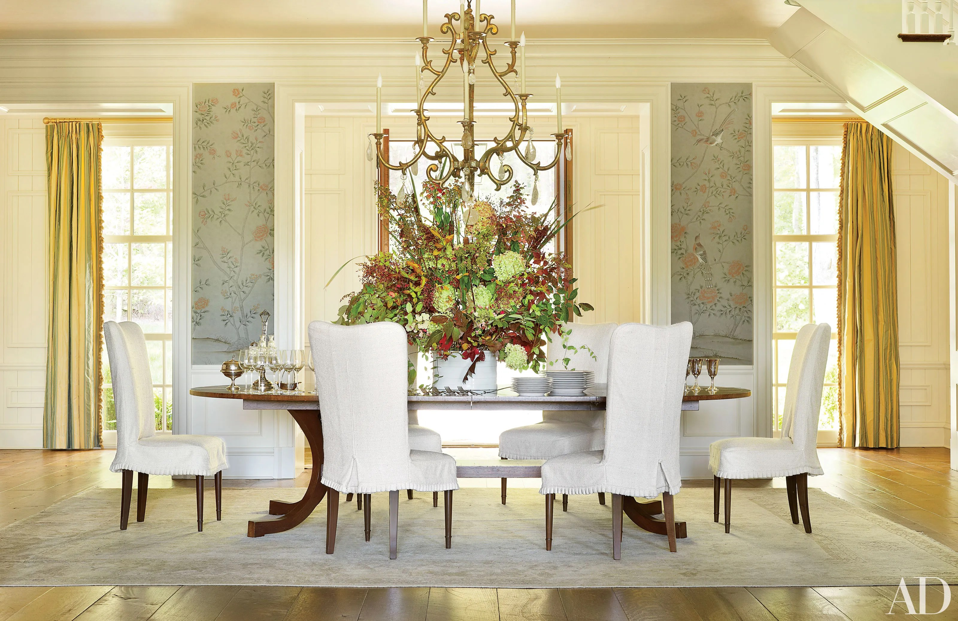 Sophisticated Dining Room Decor By AD100 Designers Photos