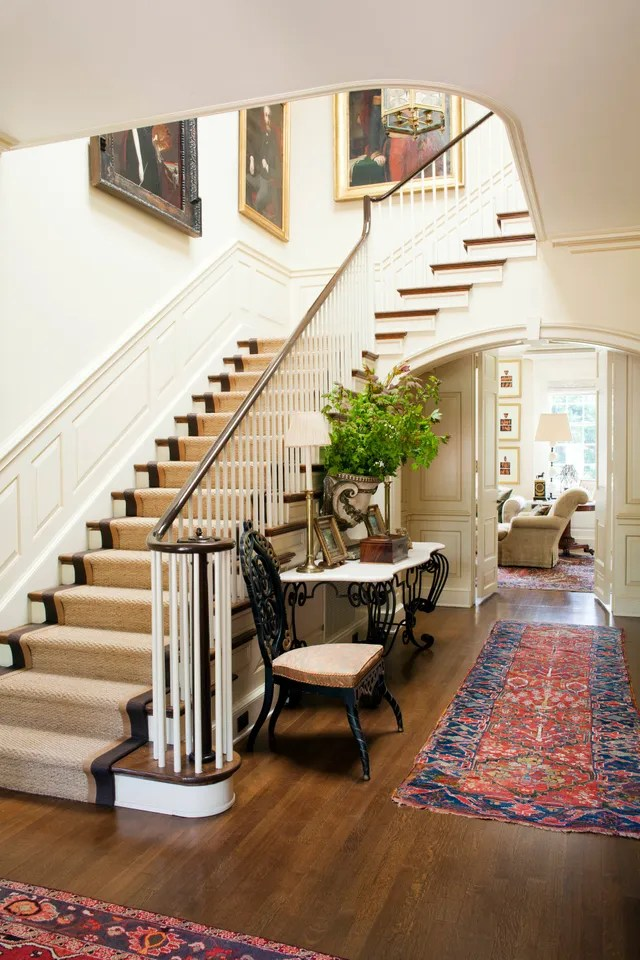 Hall Green Oriental Rugs How To Decorate With Rugs Photos Architectural Digest
