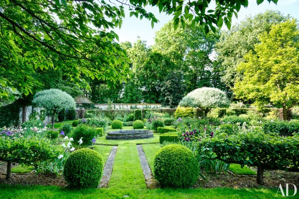 6 Examples Of Topiary Gardens Ad Archives