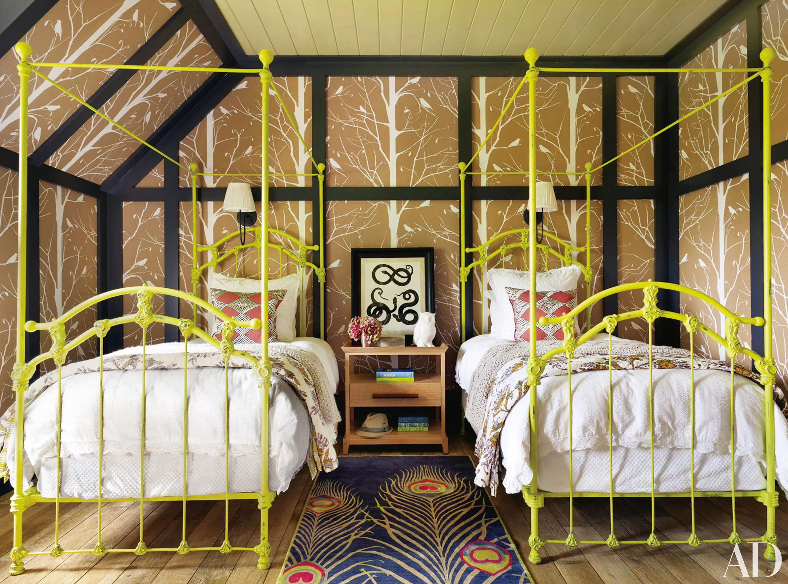 Pinterest Girls Kids Rooms With Wood Wallpaper How To Decorate With Two Twin Beds Guest Room And Kids