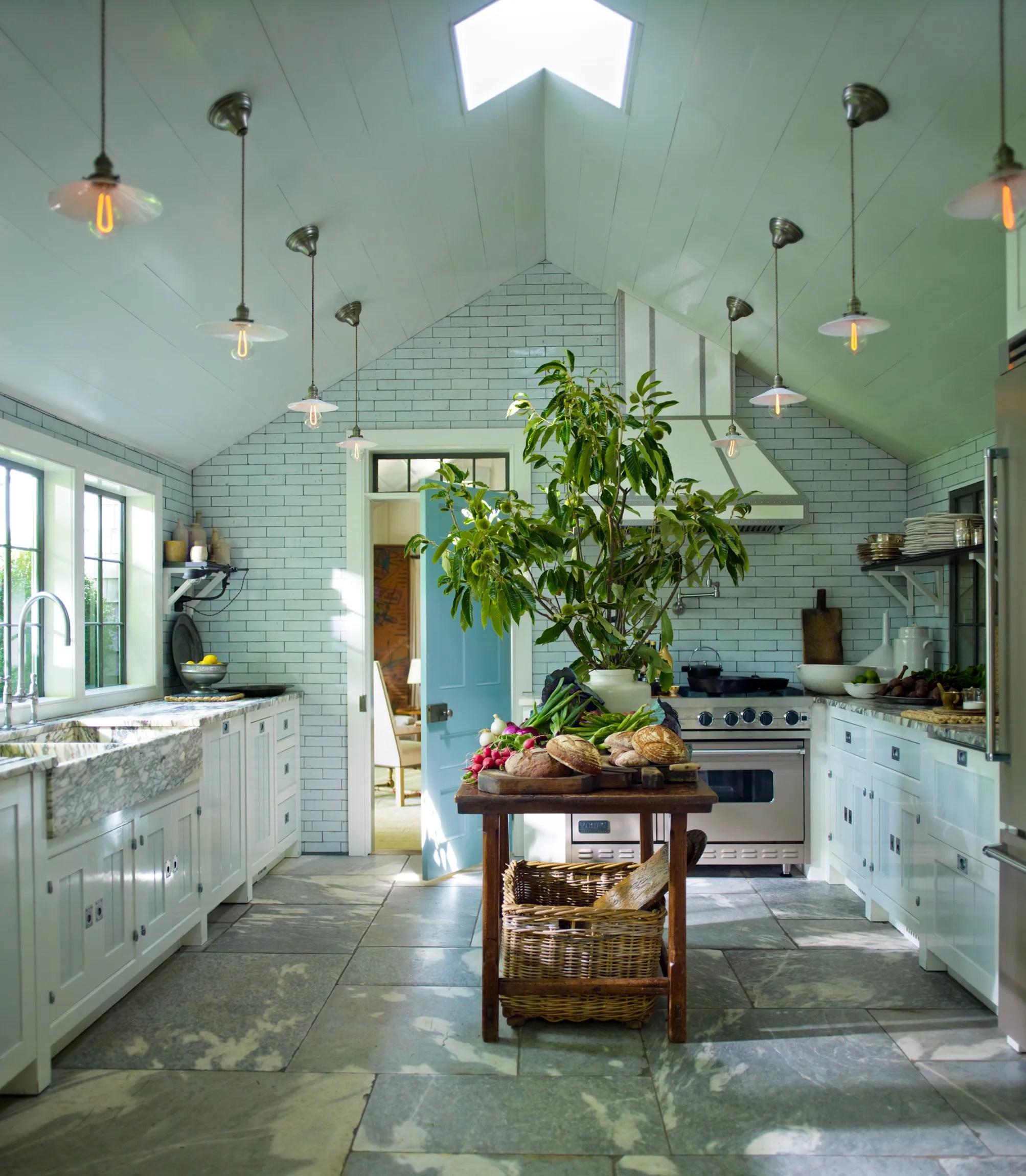 kitchen designs trash can sizes renovation guide design ideas architectural digest designer steven gambrel s 8 favorite