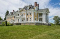 A Stately Colonial-Style Mansion in Burke, Vermont, Is on ...
