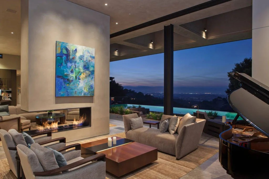 Tour Beyoncs 10000aNight Super Bowl Airbnb Rental