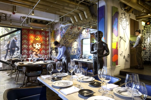 8 Restaurants Feature Amazing Art Likes Of
