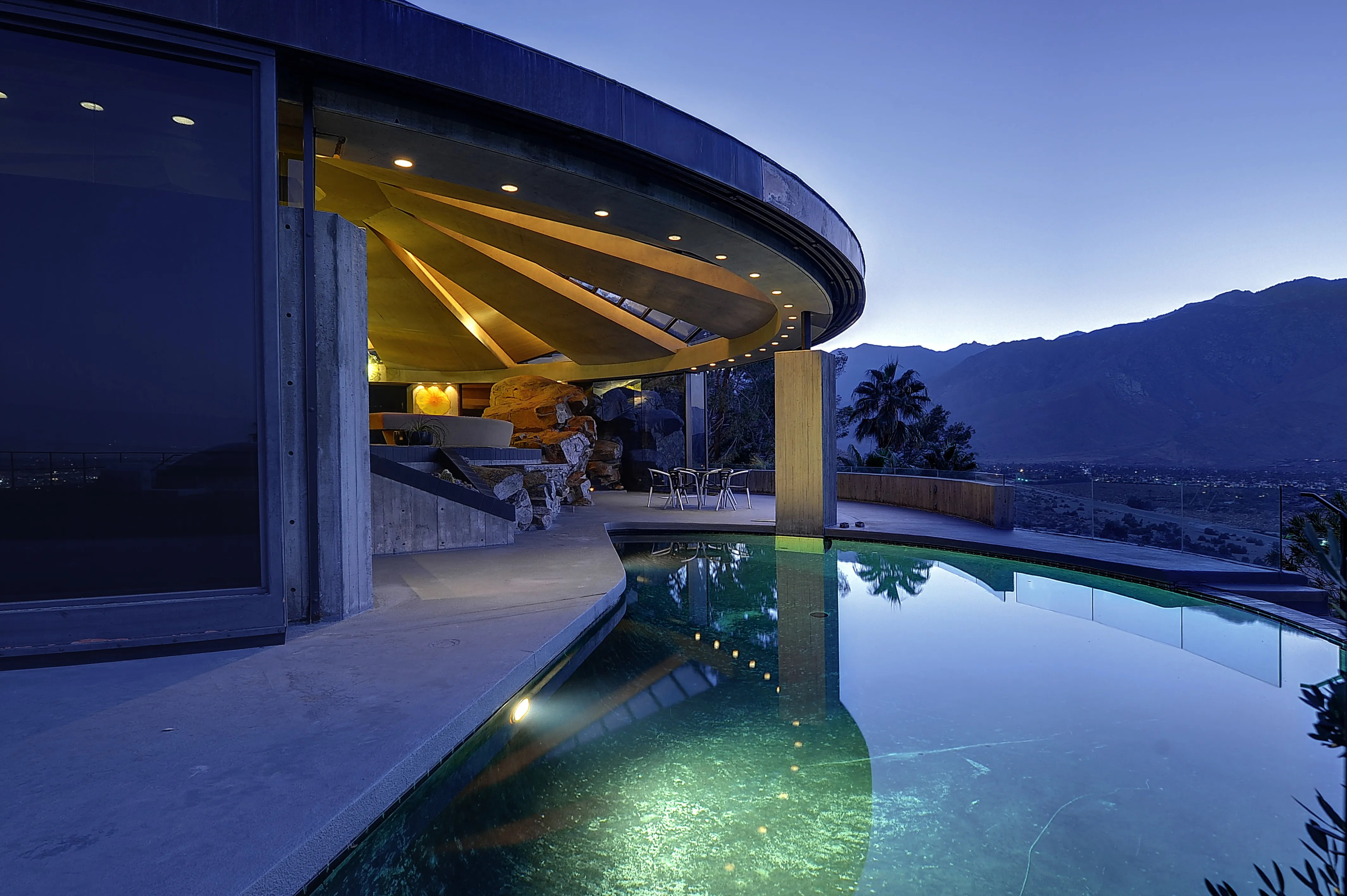 This 105 Million Modern House in Palm Springs Was in a