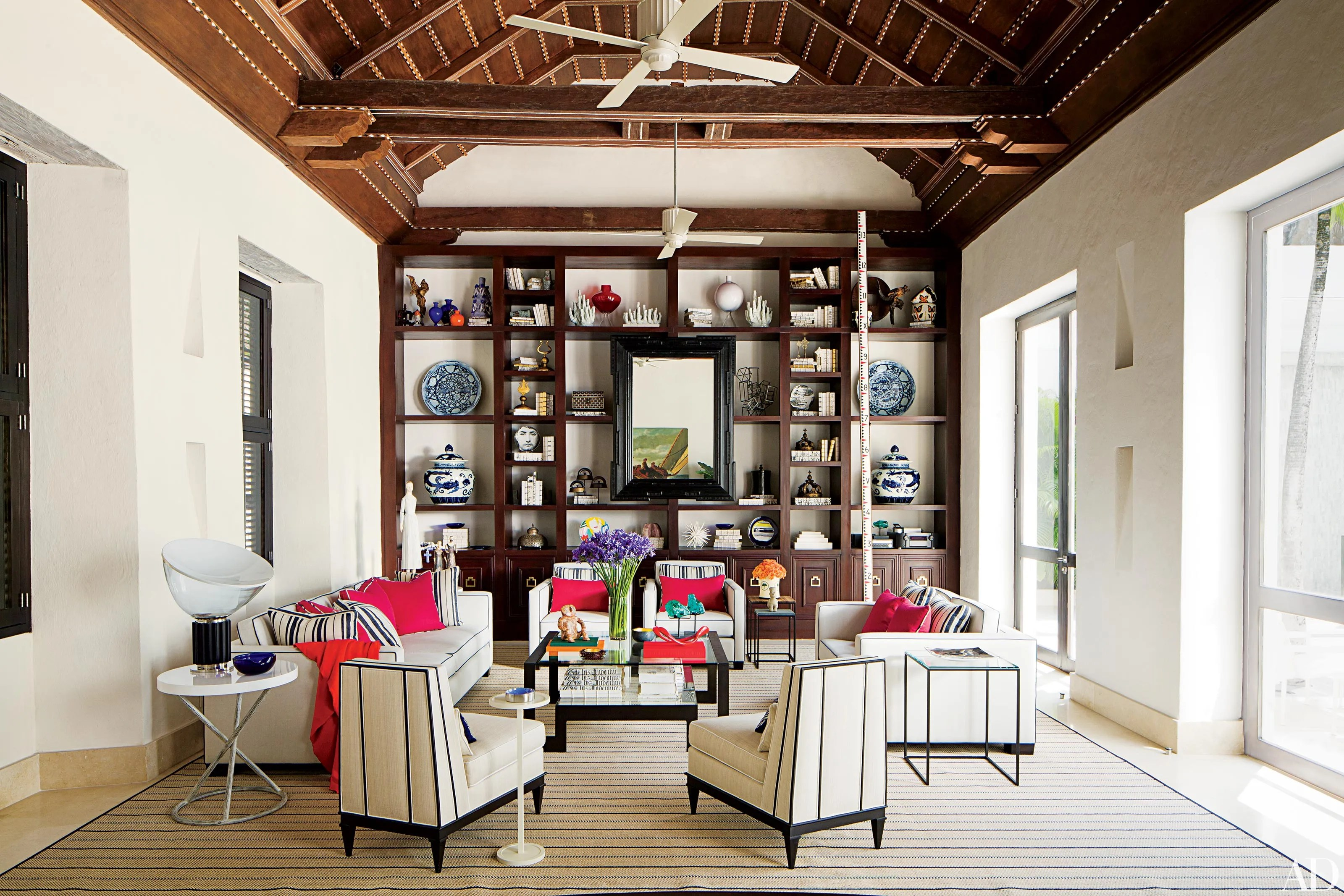 Homes with Eclectic Decor and Worldly Style Photos