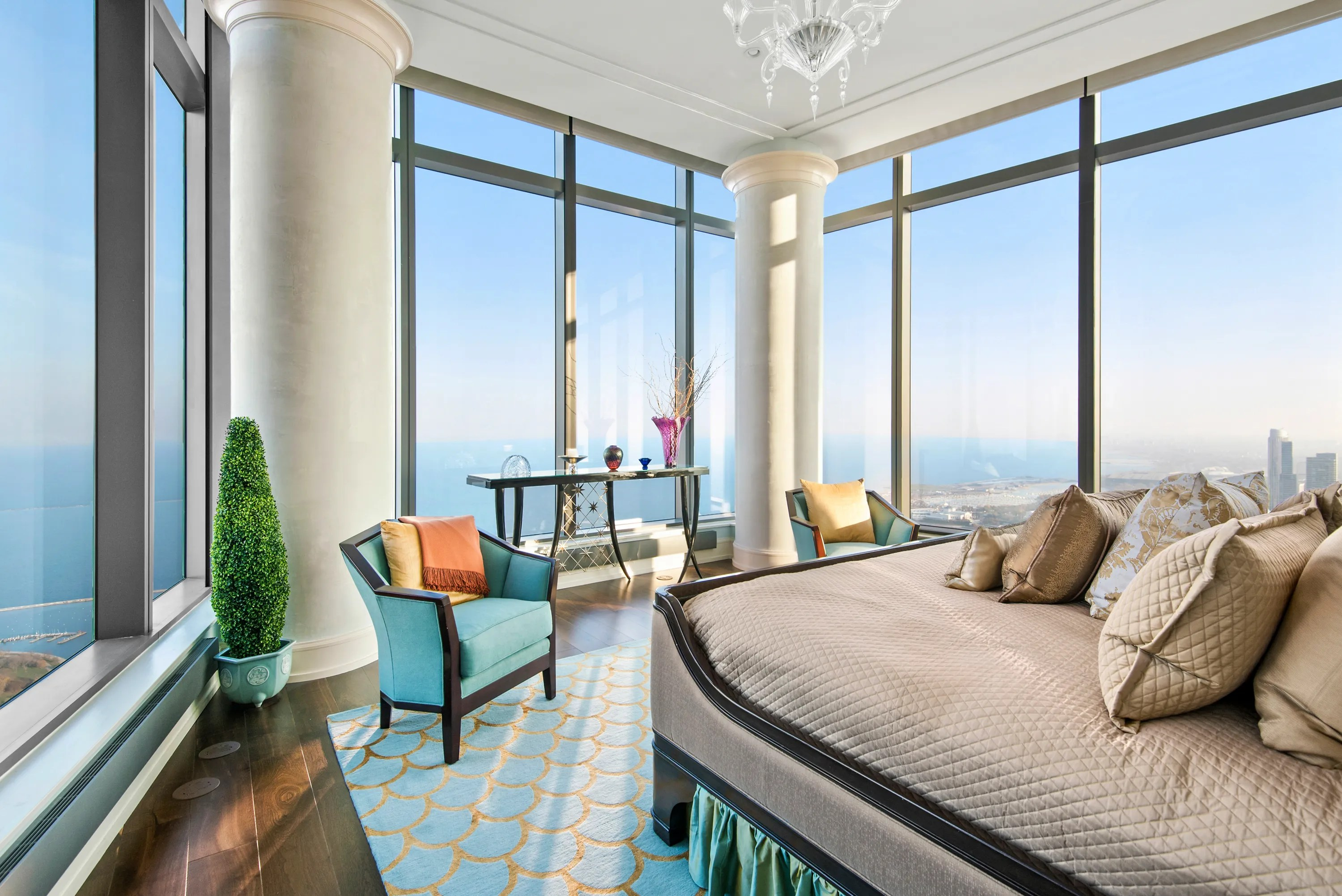 72 Floors Up This 625 Million Penthouse Apartment Offers Stellar Views of Chicago Photos