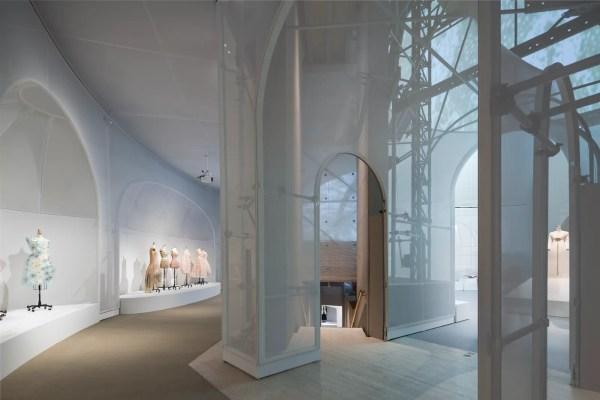 Oma Architect Shohei Shigematsu Creates Magical Set