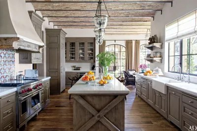 island kitchen tall table and chairs 28 stunning ideas architectural digest at tom brady gisele bndchen s former los angeles home designed by architect richard landry