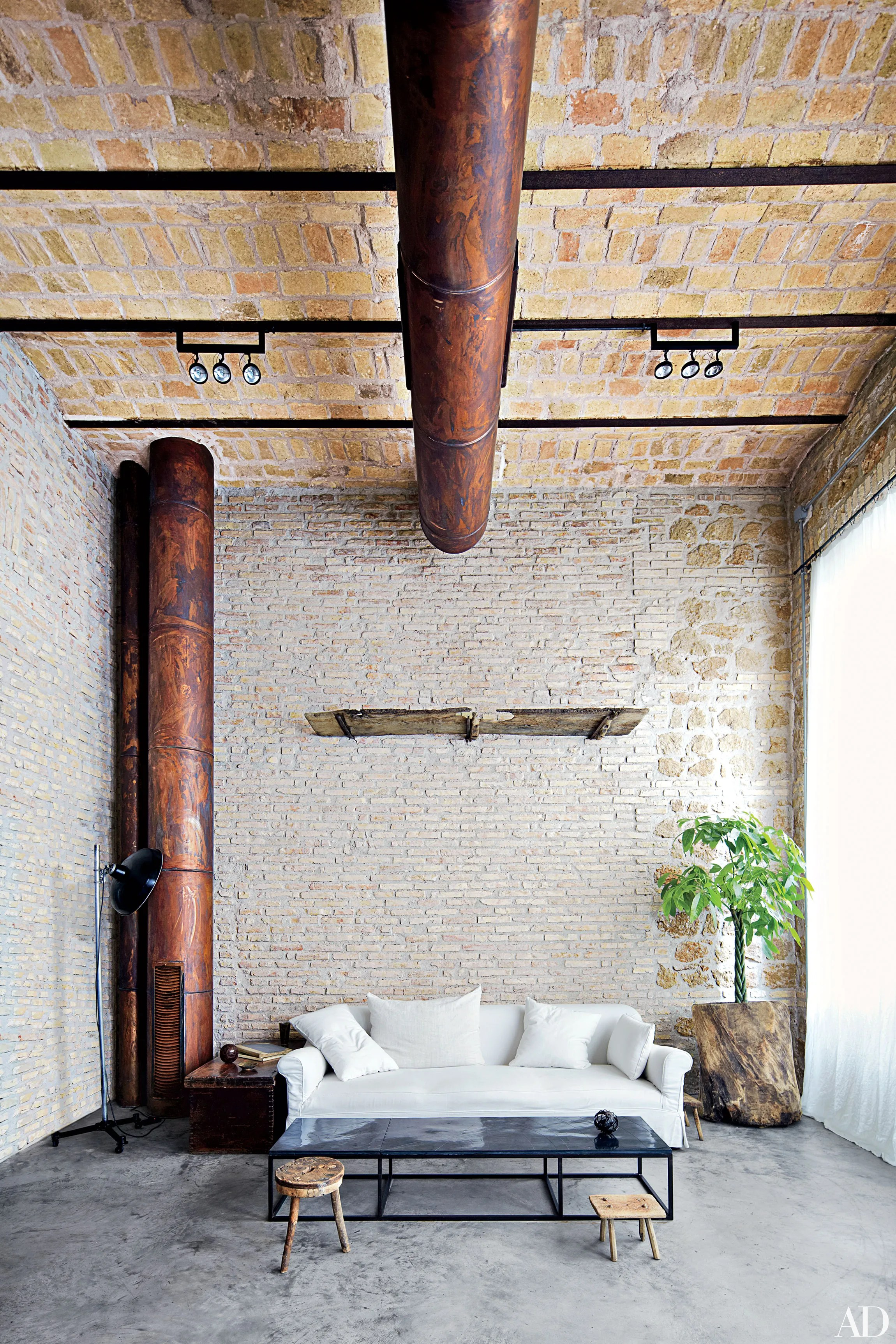 14 Spaces with Charming Exposed Brick Walls Photos