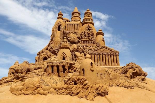 Incredible Sand Sculptures Taj Mahal China