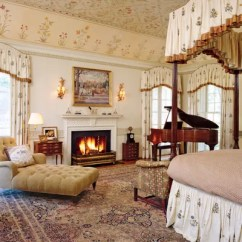 Modern Living Room With Persian Rug Bench Canada 29 Oriental Rugs For Every Space Architectural Digest At An Estate In Rapidan Virginia Decorated By Tino Zervudachi A Botanical Themed Bedroom Is Home To Antique Carpet The Ceiling S Floral Motif