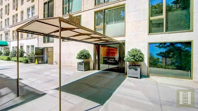 The Luxury Building Is Located On Gramercy Park North