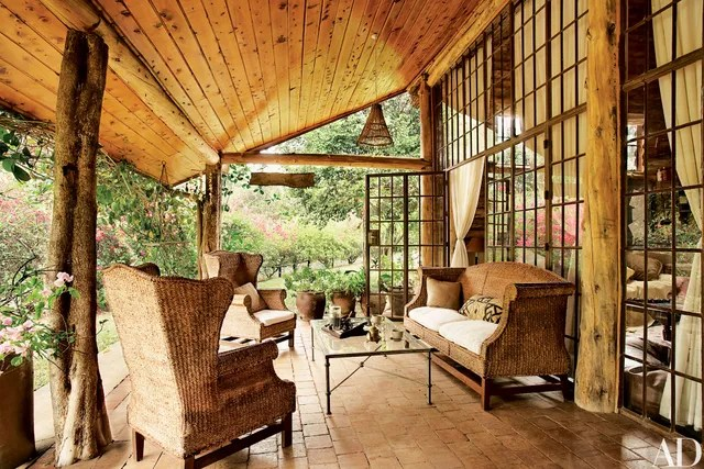 How to Elegantly Style a Log Home Photos  Architectural