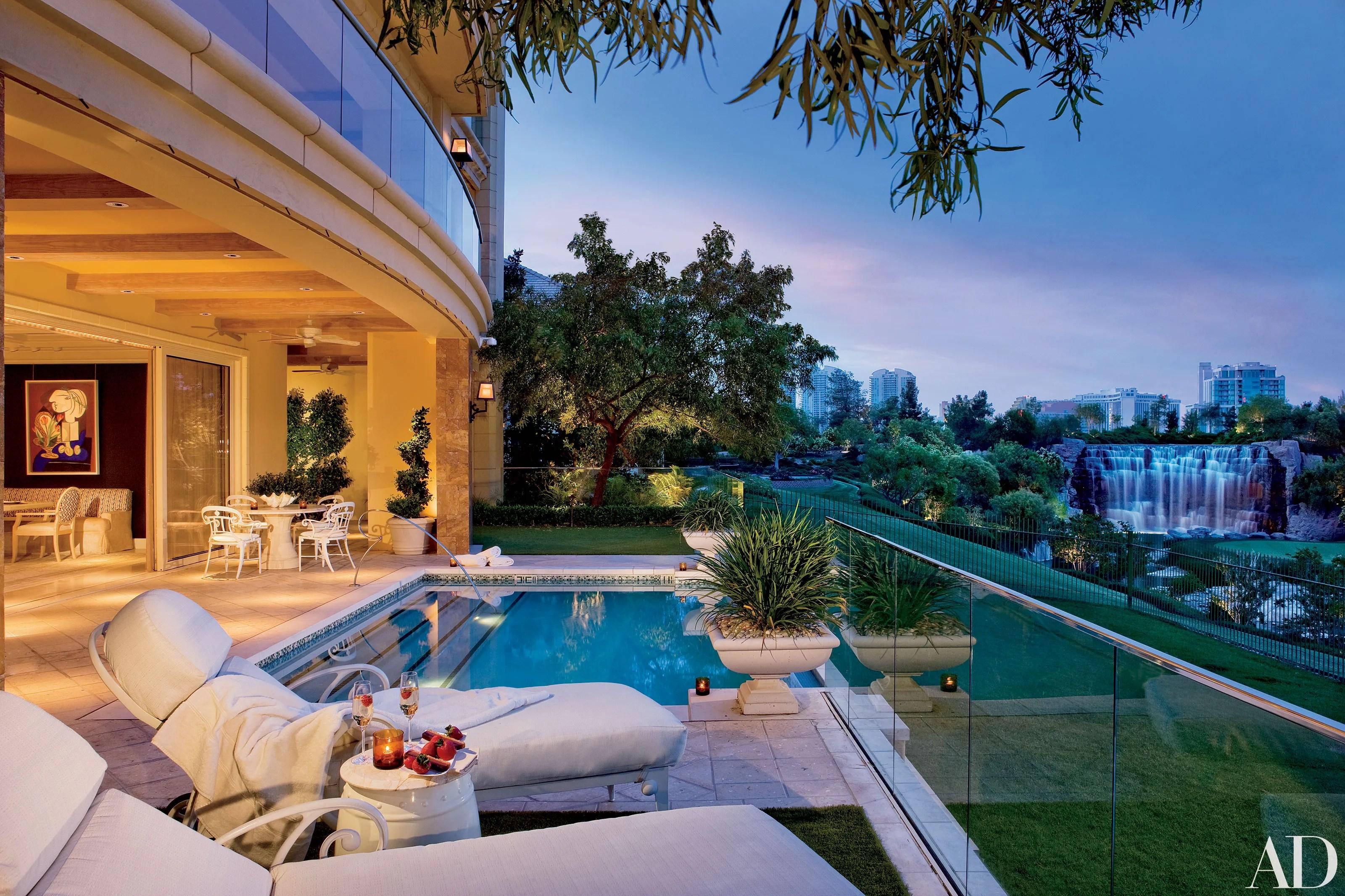 Steve Wynns Picturesque Las Vegas Residence