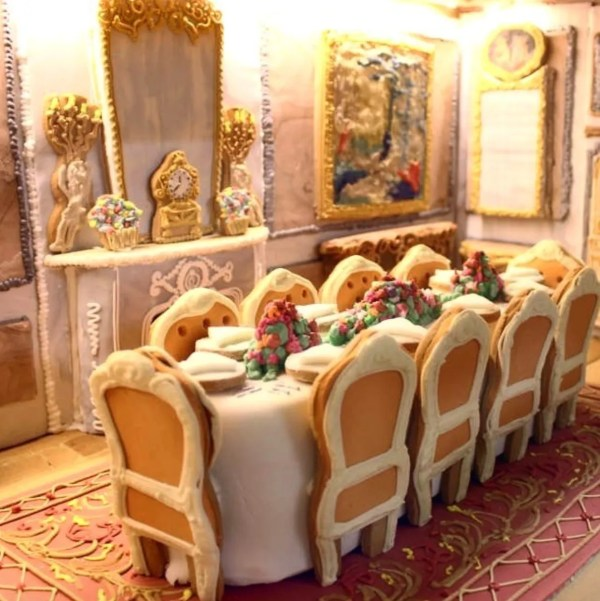 The World39s Most Elaborate Gingerbread House Took 500