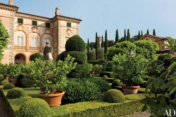 Musician Ned Lambton Restored 17th-century Tuscan Villa