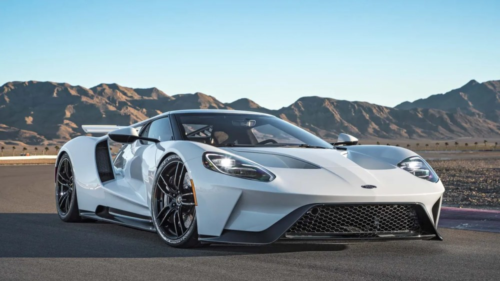 medium resolution of the 2017 ford gt a 400000 supercar that can hit speeds of 216 m p h
