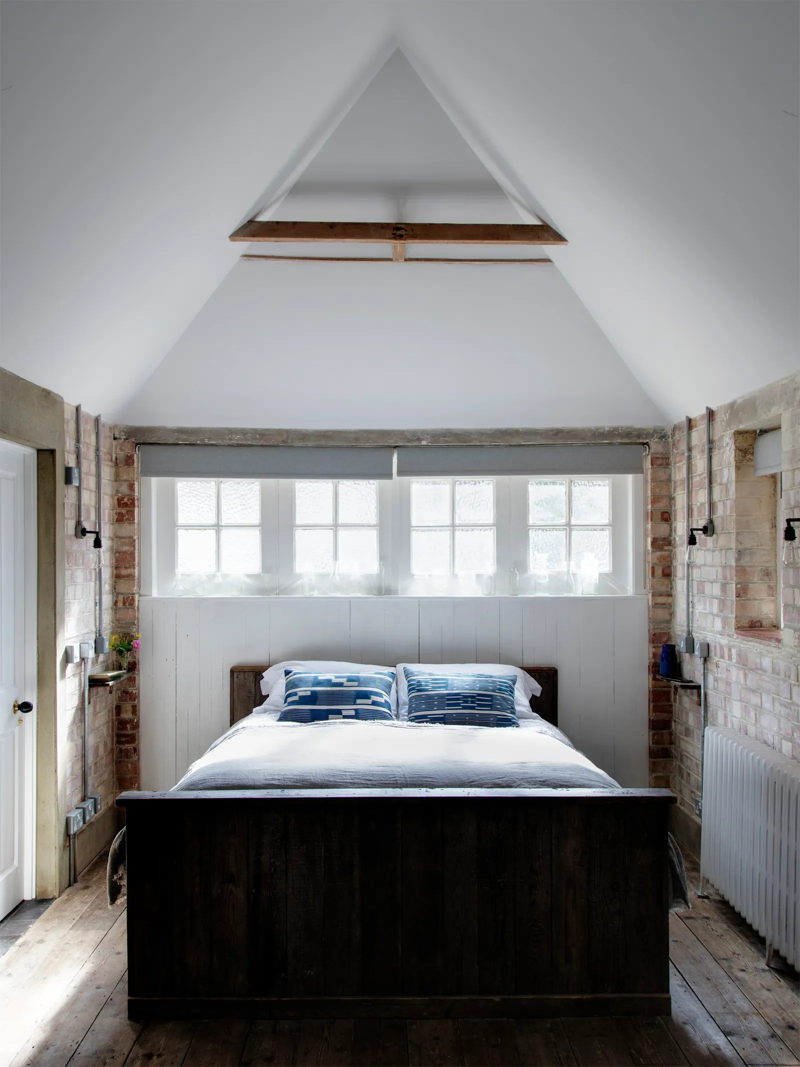 This Garage Makeover It S Now A Bedroom Suite Is Nuts