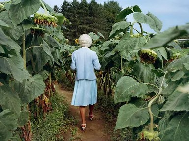 Sheron Rupp often photographs people in their homes or yards, as seen in