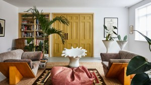 Hairstylist Cyndia Harvey S London Flat Is Filled With Flea