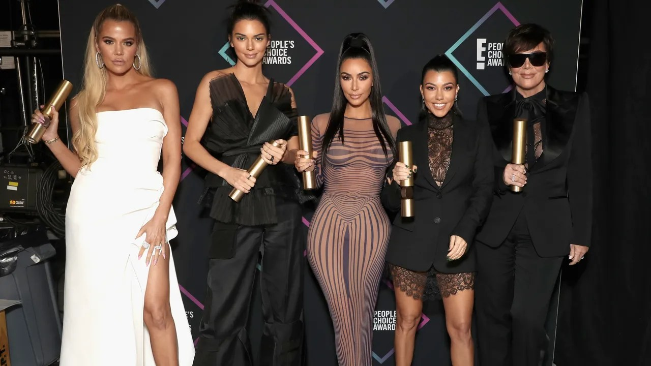 Kendall Jenners Adorable Family Photo Shows What the Kardashians Keep on Their Coffee Table