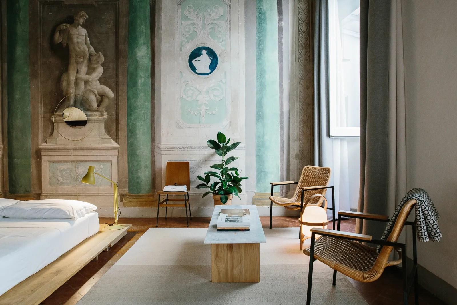 Valorizza la tua presenza online con la fotografia di interni professionale. A Design Lover S Guide To Florence Architectural Digest