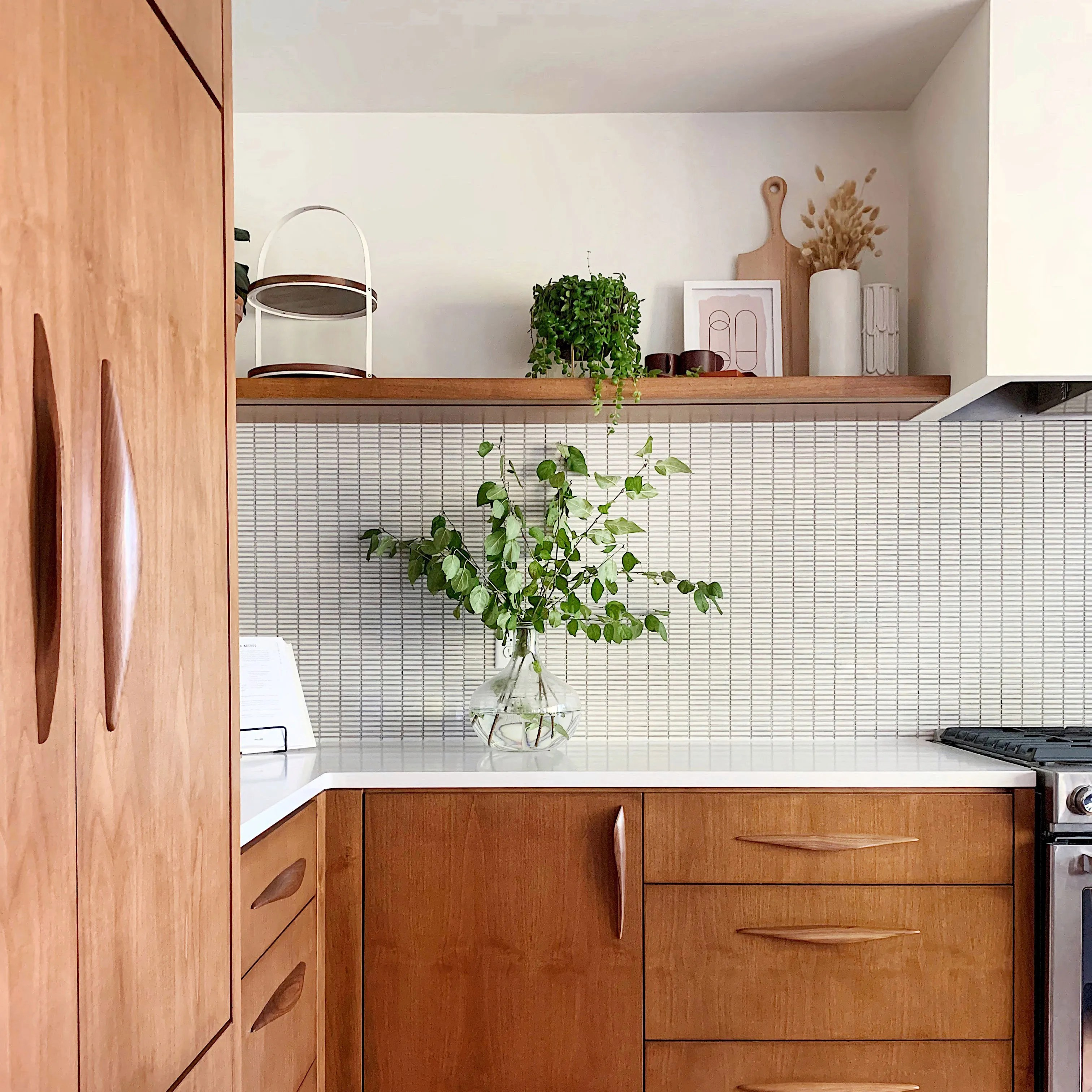 a gorgeous mid century modern kitchen