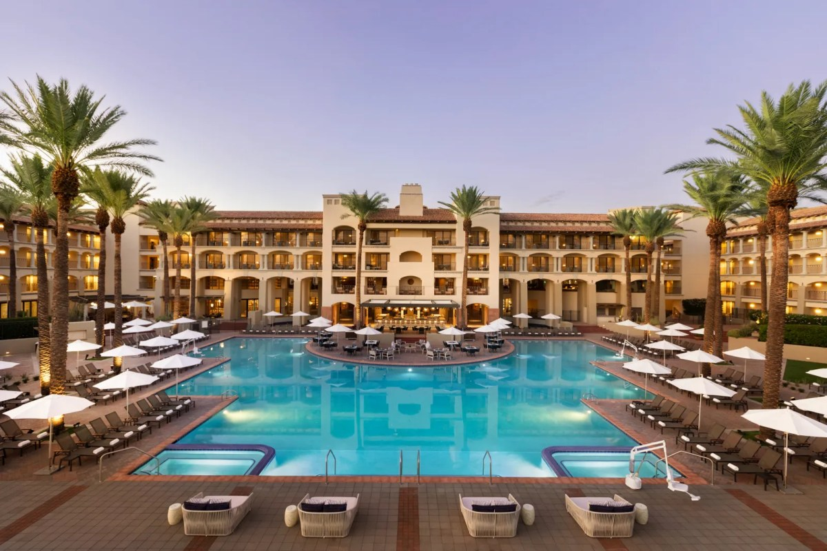 pAnother shot of the Fairmont Scottsdale Princess pool located in the Arizona desert.  VRX Studiosp