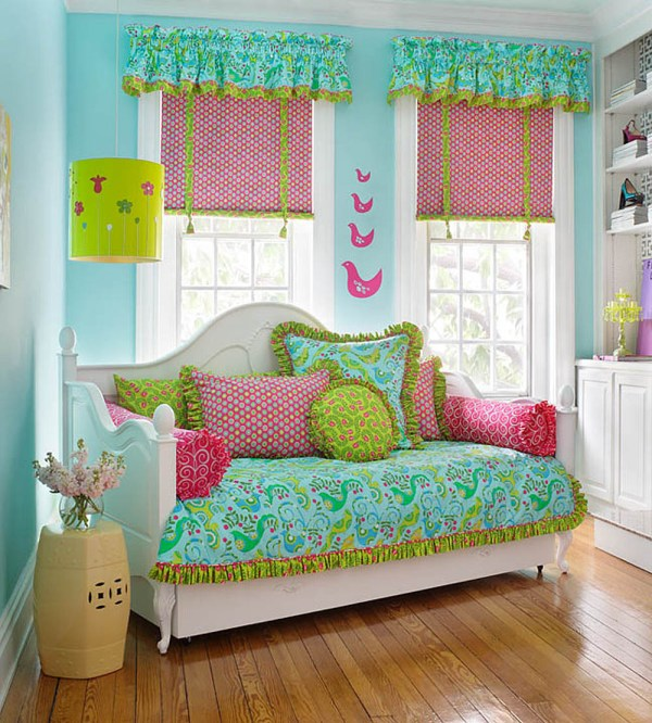Cute Tween Girls Room Idea