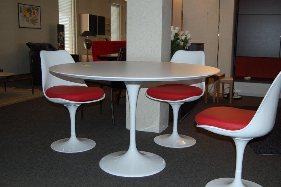 frank lloyd wright chairs next discontinued dining tavolo saarinen 120 cm. + 4 sedie tulip offerta scontata