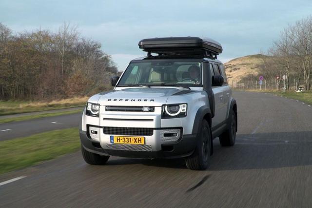 Grotere Land Rover Defender 130 komt eraan